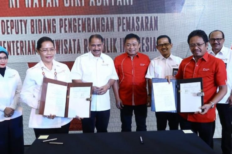Kemenpar-Telkomsel Luncurkan simPATI Tourist Wonderful Indonesia